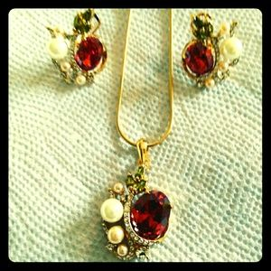 Garnet and Pearl necklace and earrings